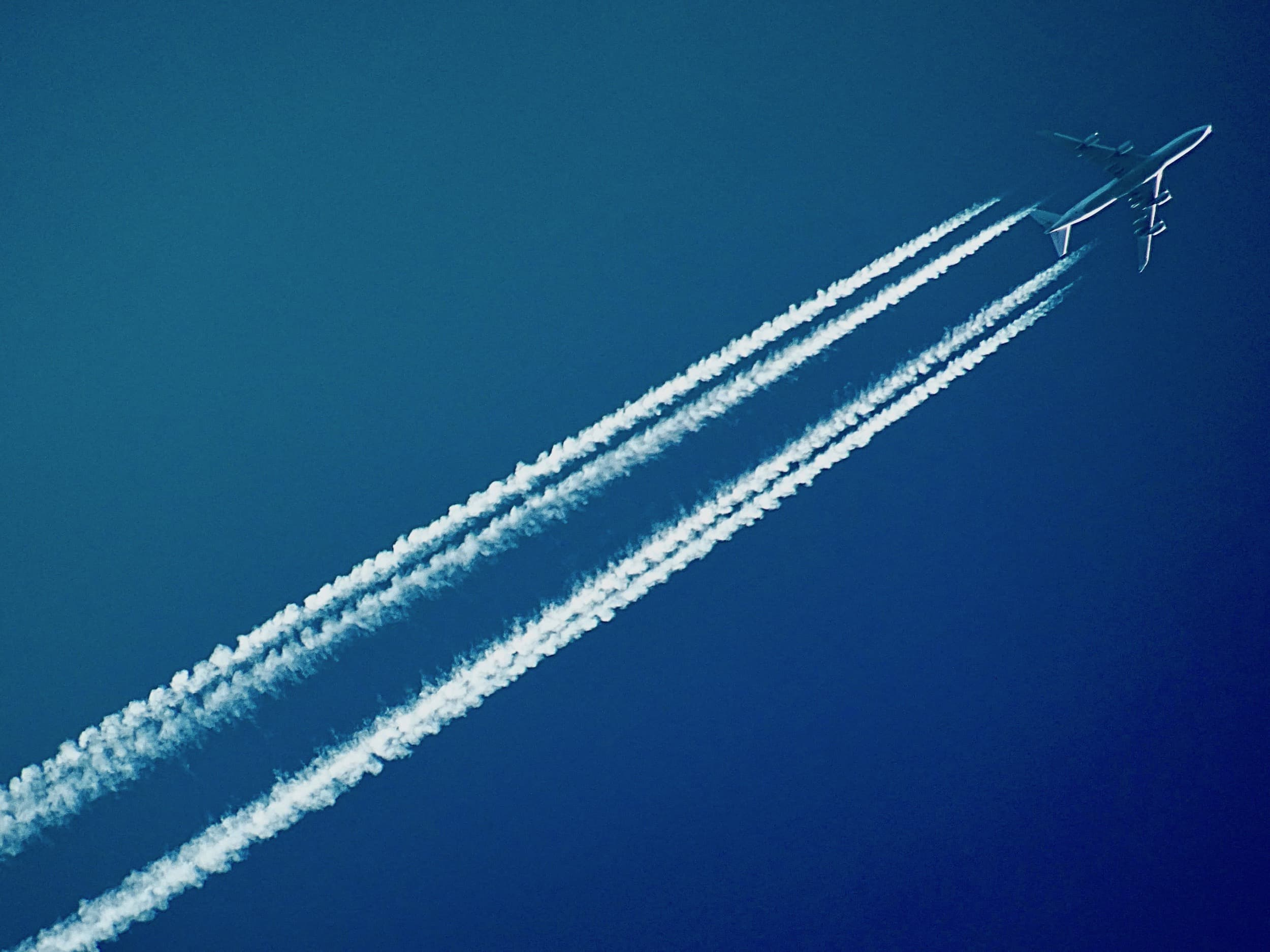 Flightnook - Contrails