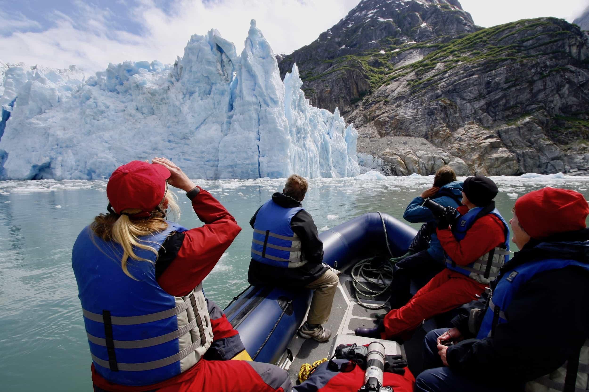 Flightnook-MapleLeaf Glacier Zodiac Pax-KevinJSmith